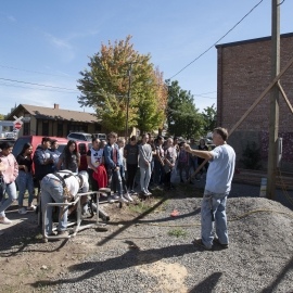 Students tour job site